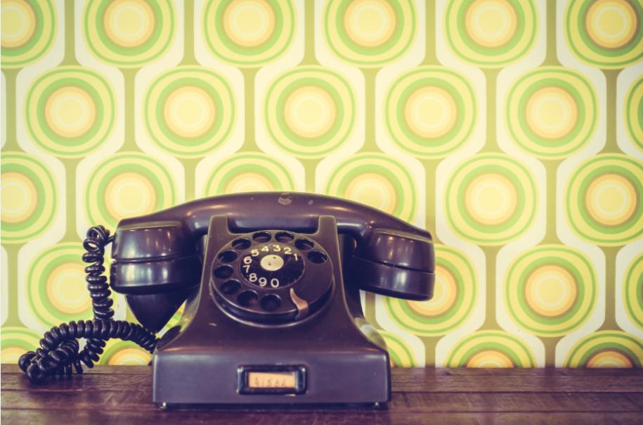 چند دلیل برای اینکه بدانید ارسال پیام صوتی به تلفن ثابت راه گشای شماست